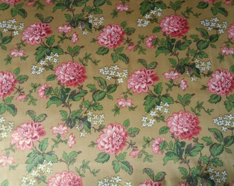 Beautiful old fabric or vintage, pretty flowers