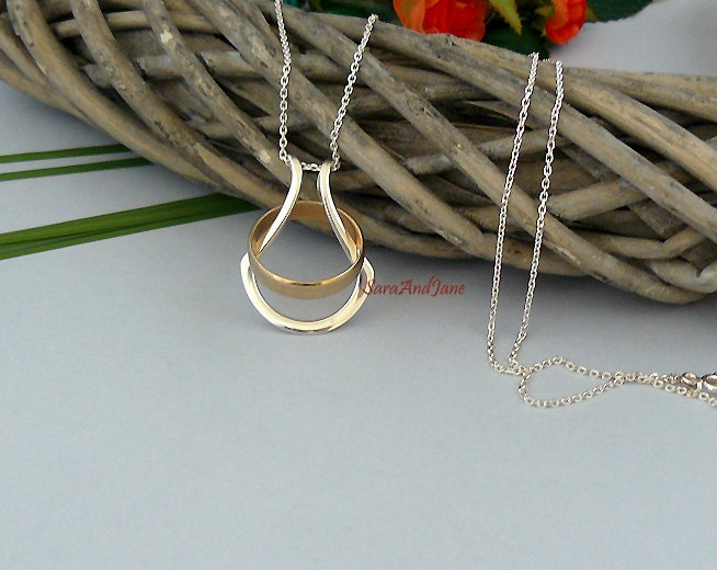 zoom - Wedding Ring Necklace Holder