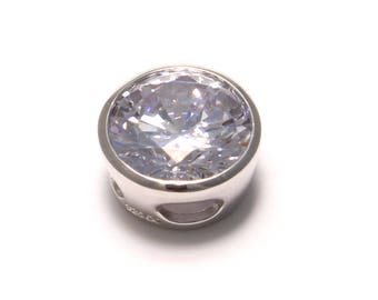 Sparkling 925 sterling silver pendant with a large cubic zirconia