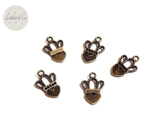 30 charms 18x12mm metal crowned heart bronze Princess Queen [L08]