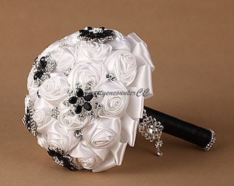 Luxury White Roses Wedding Bouquet Rhinestone Beadings Satin Jewel Bridal Bouquet Bridesmaid Bouquet Natural Touch Flowers Wedding Accessory