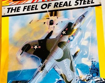 Matchbox MILITARY JET, Marines Harrier Jet, The Feel of Real Steel, #6 in a series of 12  ©1998 New unopened