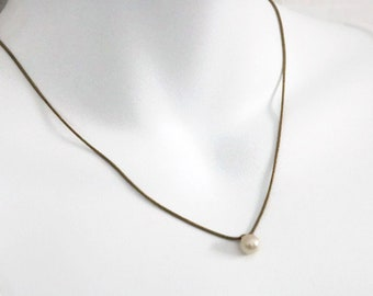 Vintage glass pearl drop pendant necklace, gold tone dainty serpentine adjustable chain, minimalist white pearl bead necklace