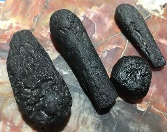 Tektite meteorite (4ps)