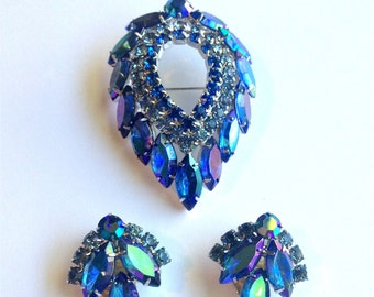 Vintage Sarah Coventry Blue Lagoon Crystal Brooch and Clip Earrings 1960 Juliana D & E