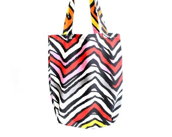 Handmade bag zigzag pattern