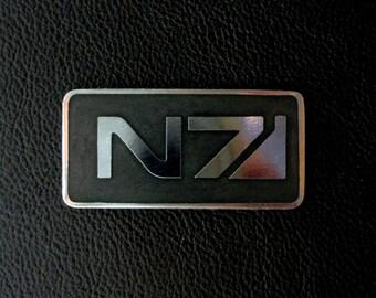 N7 pin badge