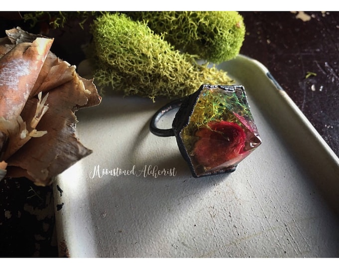 Immortalized Rosebud Crystal Copper Ring with Moss and Glitter - Rose Crystal Ring - Flower Crystal Ring
