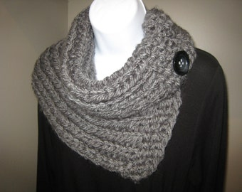 Cozy Neck Warmer, Ladies Cowl, Winter Cowl, Ladies Scarf, Button Scarf, Button Cowl