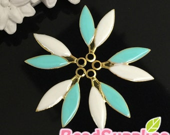 CH-EX-02014OWER- Gold plated,Puffy two leaves, Off white/Erinite, 4 pcs