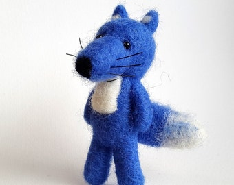 Needle felted fox,Animal Brooch,Miniature Foxy,Forests Animal,Blue Fox Figurine