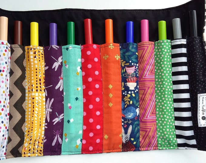 Wonderland Rainbow Pen Roll