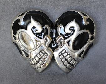 Enameled Skulls Belt Buckle, Stylized Skull Belt Buckle for Bikers, Motorcycles, Silver and Black Men's Belt Buckle