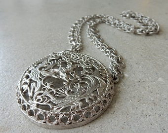Napier Medallion on Chains Necklace. Vintage Jewlery. Retro Vibe. FREE SHIPPING.