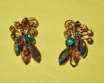 1950s Rhinestone Earrings, 50s or 60s Clip On Earrings, Vintage Hollywood Glamour, Mid Century Earrings, Multicolored Rhinestone Earrings