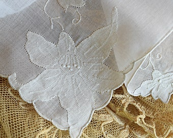 "Stunning White 1950's 16"" Vintage Handkerchief Applique Embroidery French Knots Flower Design Women's Hankie Accessory Wedding Bridal"
