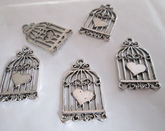5 charm silver heart in metal cage 32 x 18 mm