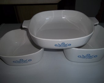 Corning Ware Set of 3- 1 1/2Quart & 1 3/4 Quart, and 9 inch Cornflower