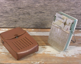 Vintage Linmark 8 Transistor Portable Radio + Leather Case Model T-80 For Parts or Repair 1960s Japan