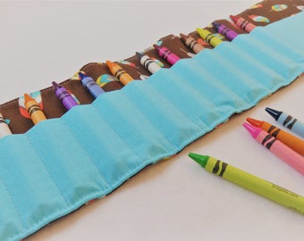 Crayon Roll in Feathers on Brown, Holds 16 Crayons