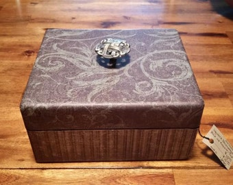 240 Decorative Wooden Box, Square Wood Box, Decoupage Wood Box with Lid, Decoupage Box, Keepsake Box, Photo Storage Box, Decorative Wood Box