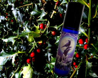 HOLLY and IVY Perfume Oil - festive hollyberries, earthy greens, winter forest - Victorian Perfume - Yule Perfume - Christmas Scent