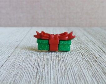 Christmas Gift - Christmas Present - Wrapped Gift - Lapel Pin