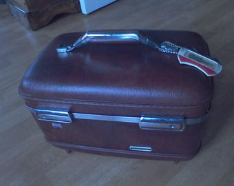 Train Case  American Tourister luggage, DIY, makeup case, old luggage, Key and tray