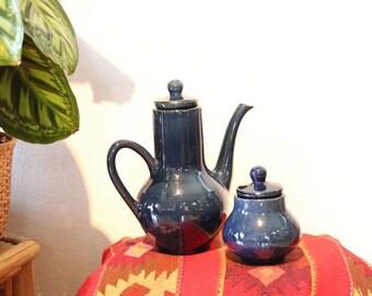 Théière et sucrier en porcelaine bleue