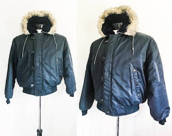 60s 70s Vintage Puffer Coat by Campus // 1960s 1970s Hooded Parka Navy Blue Puff Jacket w/ Faux Fur Hooded Trim // Size 42 Medium Large