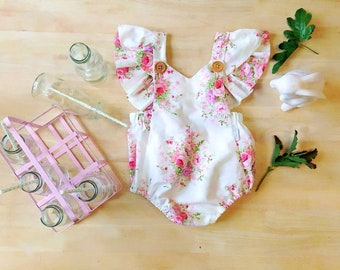 Free shipping to US and PR,floral romper,White romper,Polyester romper,floral baby outfit,White romper,White outfit,White bodysuit