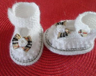 (size 0-3 months) baby booties