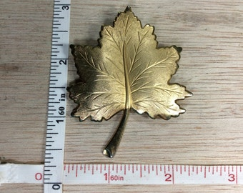 Vintage Old Gold Toned Maple Leaf Pin Brooch Used