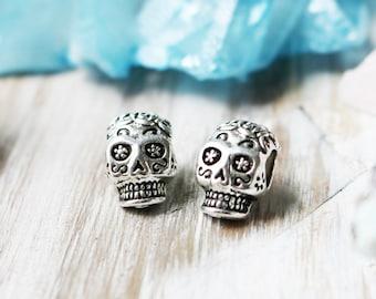 Set of 2, Skull Beads, 3D Skull, Sugar Skull Beads, Big Hole Beads, 15mm Beads, 10mm Beads, Antique Silver Beads,