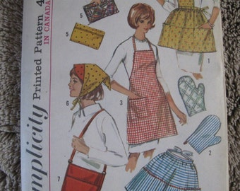RARE Vintage 60's  **Simplicity 6206 Aprons, Potholders, & more**  One Size