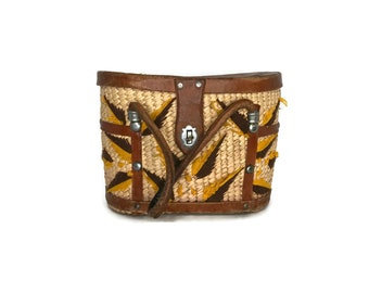 Vintage Sisal and Leather 60s Embroidered Bag / Straw Summer Purse