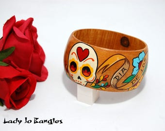 Sugar Skull, Dia de los Muertos, hand Painted Bangle Bracelet, Rockabilly Pin Up Style, Day of the Dead