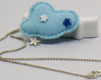 Blue cloud felt with its star pendant