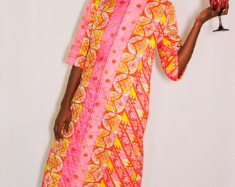 Vintage Rare 1960's Psychedelic Quilted Robe