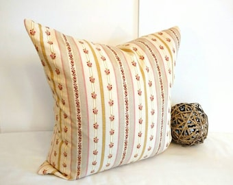 Floral pillow, French cottage pillow cover, farmhouse pillow, French decor, 20x20 pillow cover, farmhouse decor, French cottage  decor