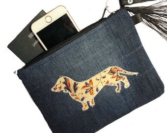 Milly: Dachshund sausage dog clutch purse wristlet