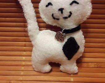 Black and white felt cat Keyring