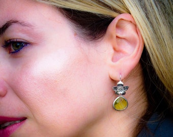 Matte Rhodium Plated Flower with Peridot Green Glass Drop Earrings (103)