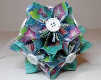 Small Kusudama Flower Ball Ornament (Blue w/Flowers)