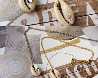 """""""Beach"""" Silver cowrie necklace"""