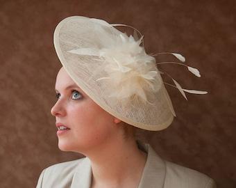 Brauthut, Vintage Stil, Braut Fascinator Creme, Kopfschmuck Ivory Braut, Haarschmuck elfenbein, Hochzeit, Braut, Standesamt, 50er, 40er