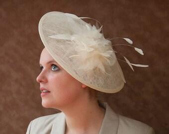Bridal hat, vintage style, bridal fascinator cream, Ivory bridal headpiece, ivory hair accessories, wedding, bridal, Race, Derby, 50s, 40s