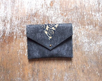 Ethnic coin purse with leather and wax (Navy Blue and beige)