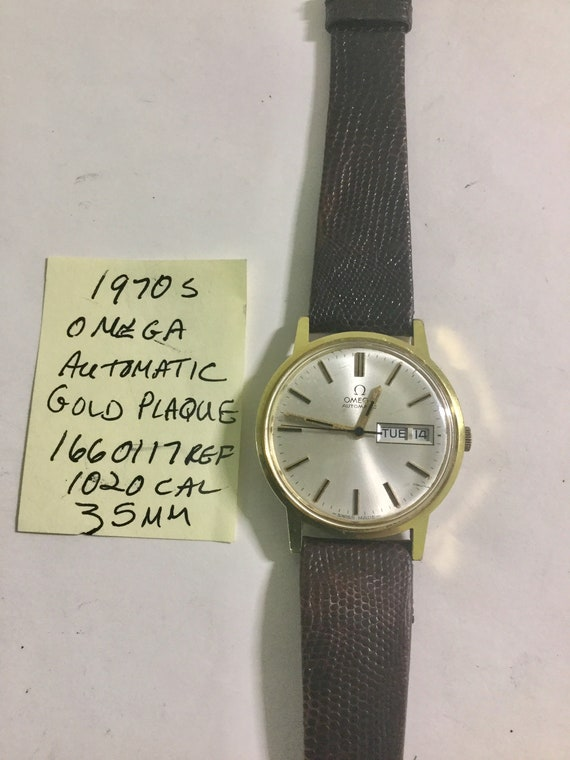 1970s Omega Mens Wristwatch Day Date Automatic Gold Plaque 35mm Case Running