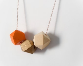 Necklaces with colored wood stones 25 mm and aluminum chain
